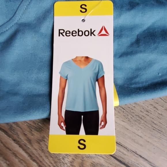 Reebok Tops - Women's Reebok Tee